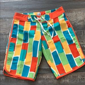 😊2/25 Volcom miss mod shorts in great condition